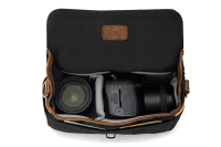 ona_bowery_black_front_messenger_offen.png