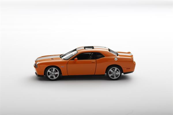 Welly_Dodge_Challenger_SRT_orange_124_1.jpg